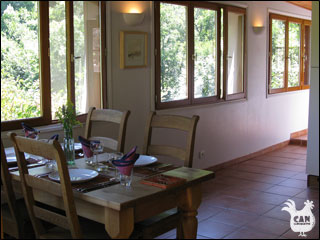 Can Llouquette - the gite dining area